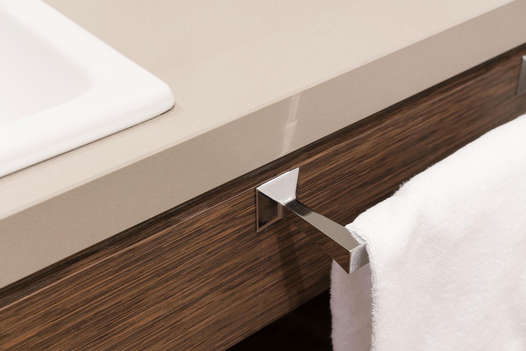 kamenná kúpeľňová doska bledá