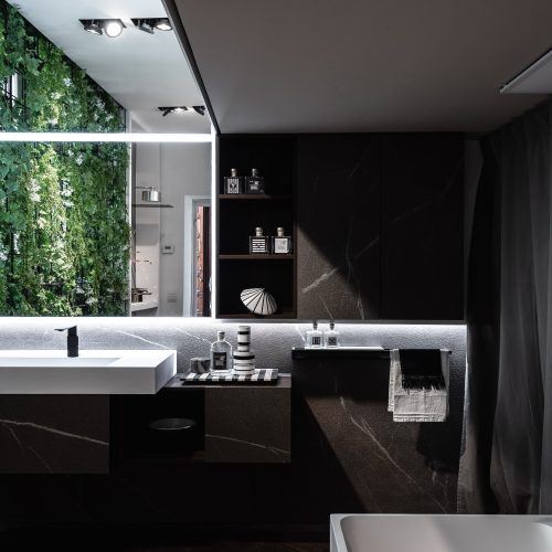 tmavá kamenná kúpeľňa