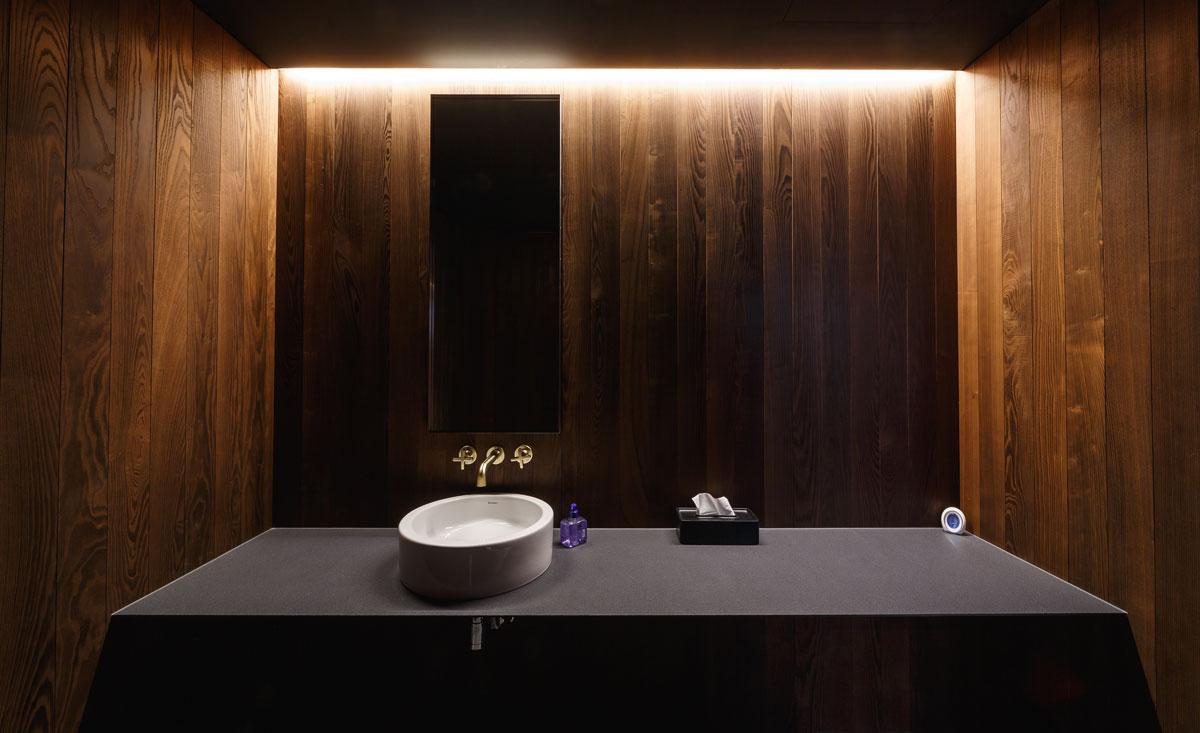 doska do kúpeľne z kameňa