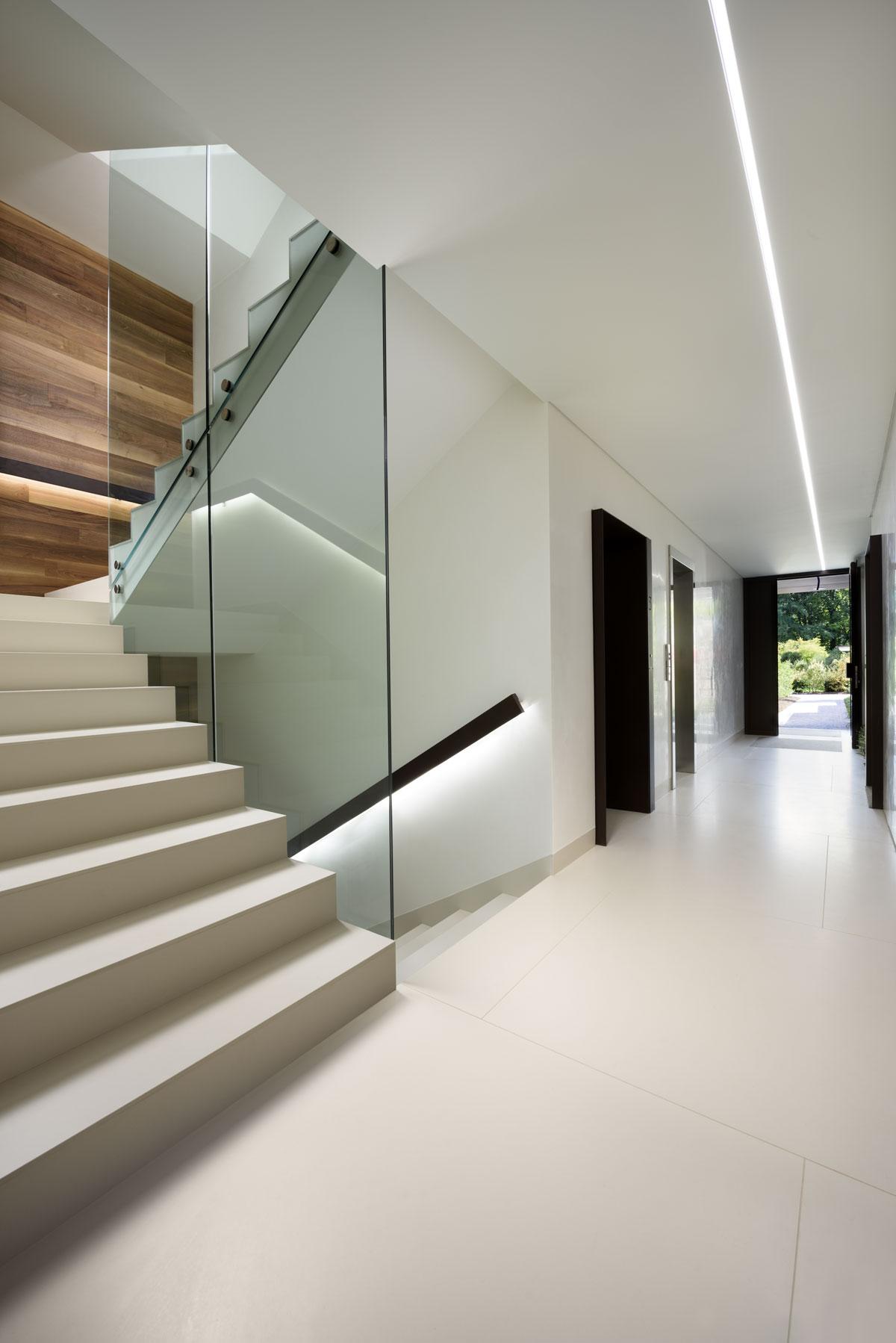 interiérové schody z kameňa
