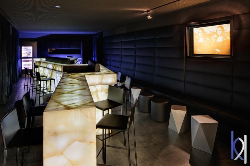 onyxový bar
