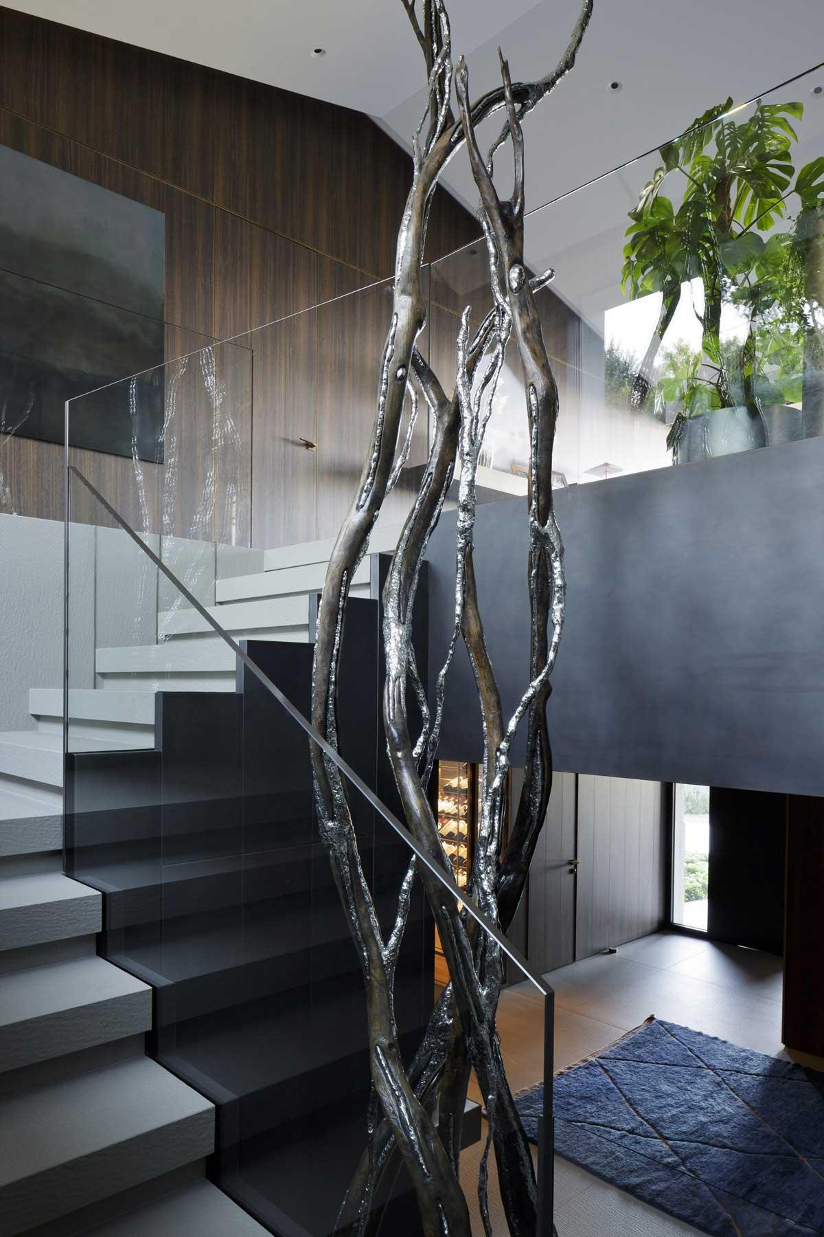 biele kamenné schodisko