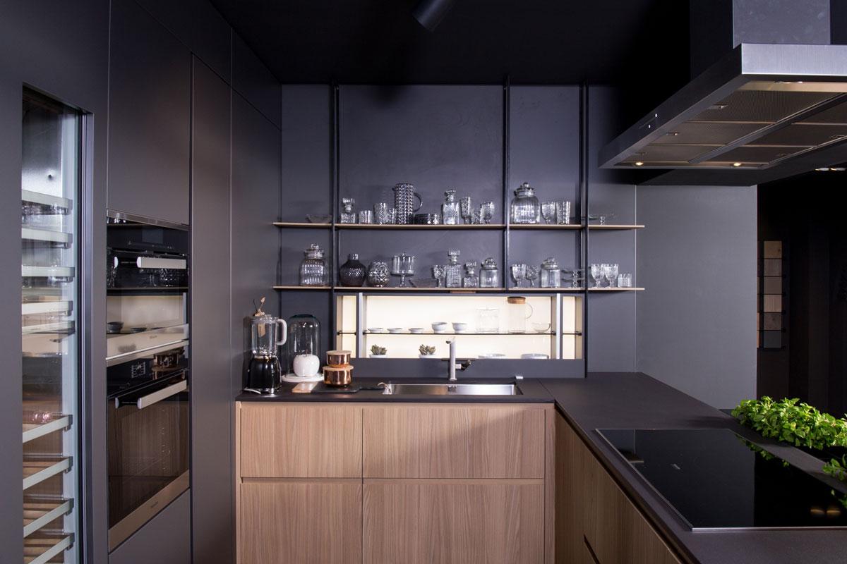 keramická kuchyňa tmavá