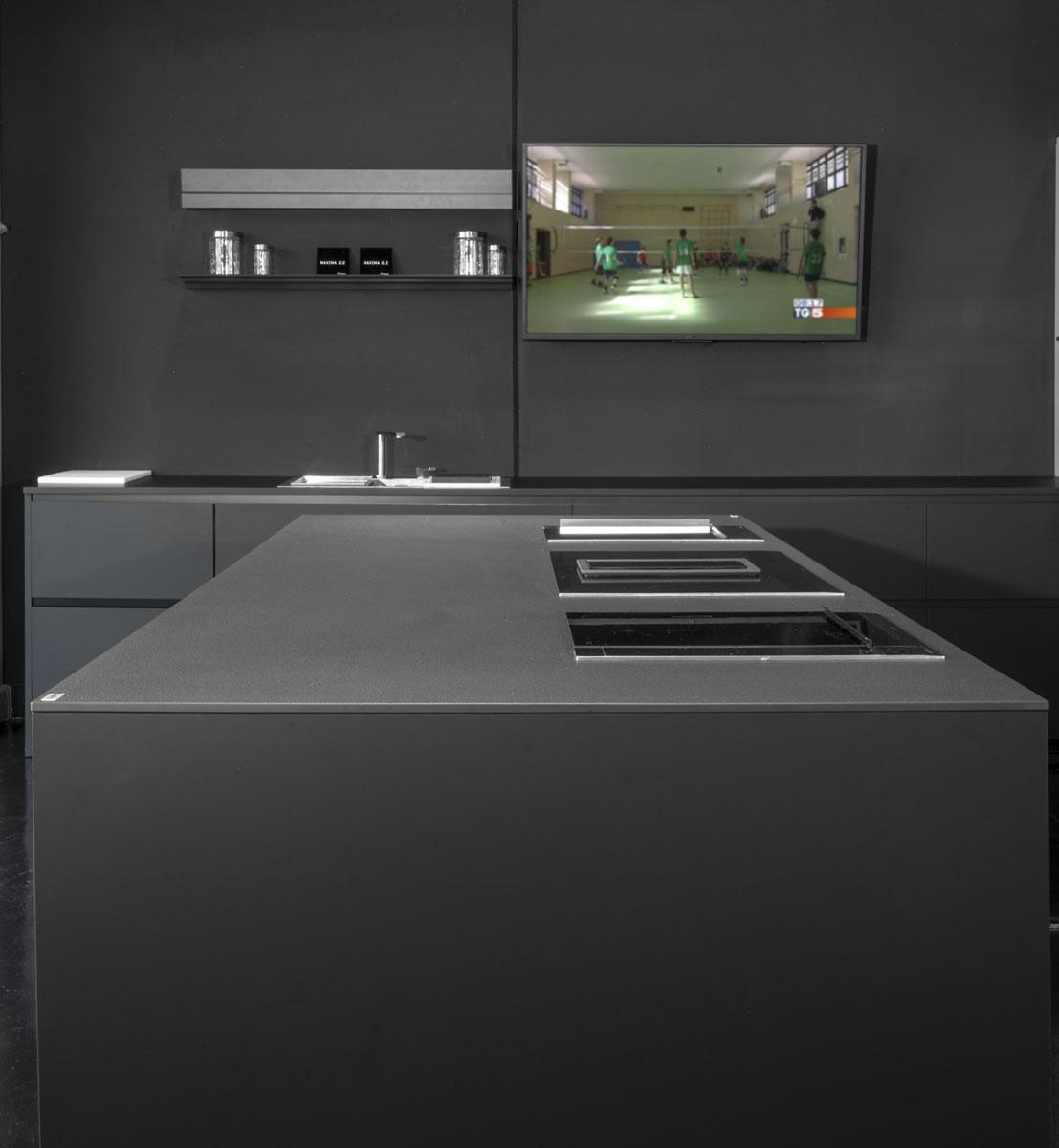 sivá keramická doska do kuchyne