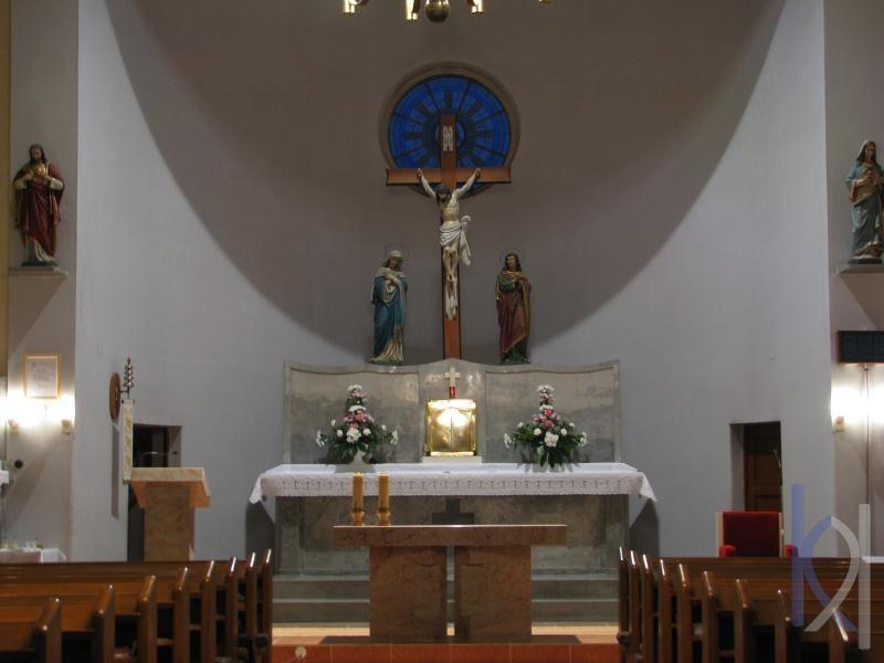 oltár z kameňa