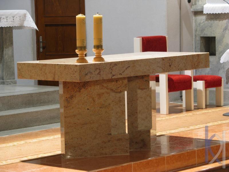 oltár bledý kameň