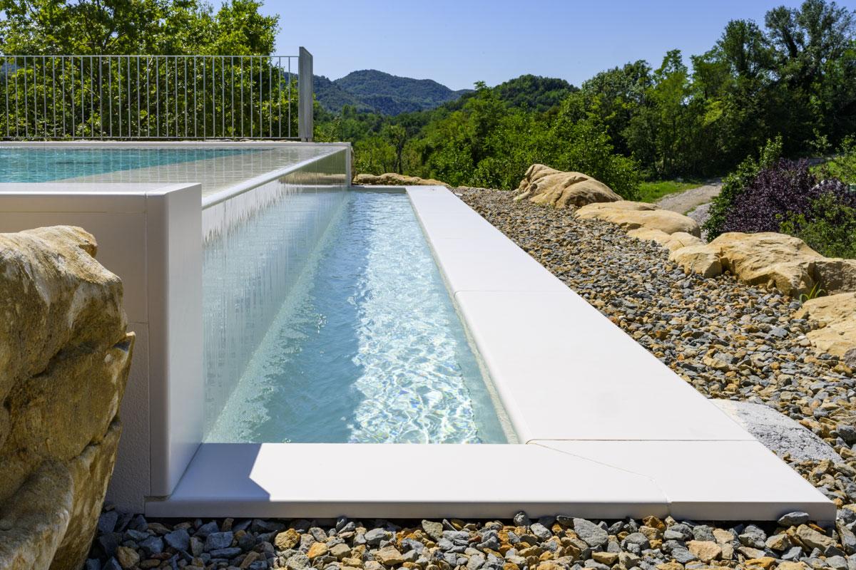 obklad bazénu kameňom