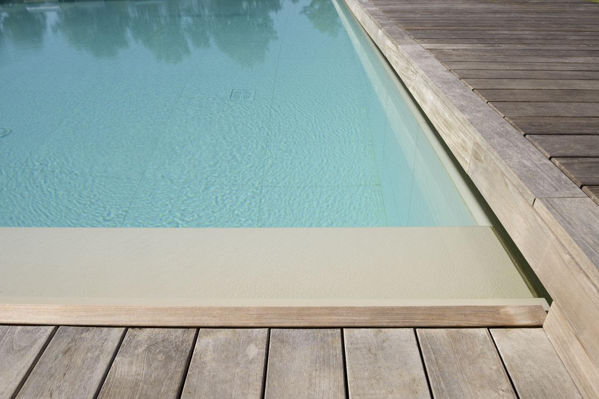 bazén z kameňa